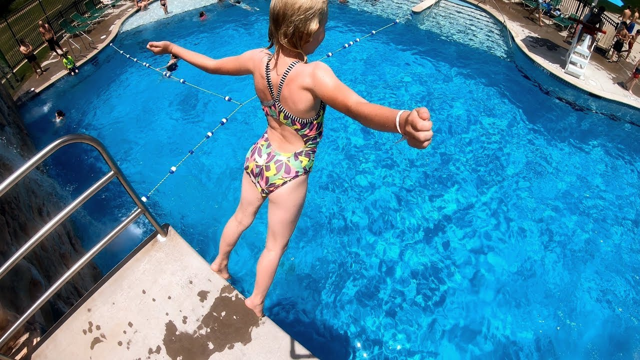 To Purchase A Used Swimming Pool Cleaning Service